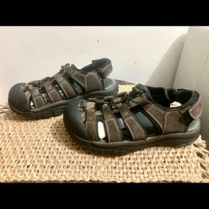 Canyon River Blues Shoes - CRB Size 9M Hiking Sandals